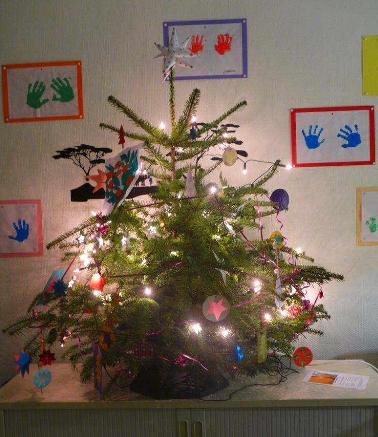 Frohe Weihnachten Und Ein Glückliches Neues Jahr In Allen Sprachen.Fröhliche Weihnachten Und Ein Glückliches Neues Jahr Hallo In Sülz